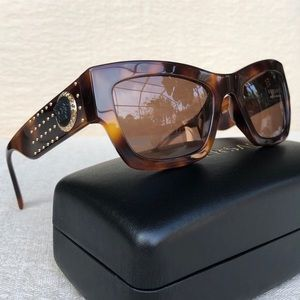 💯 VERSACE 52mm studded square sunglasses
